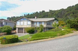 Lower Gold Beach View Home